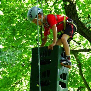 Wyzwania, pot i wsparcie – czyli dzieci ze świetlicy MIŚ na zajęciach outdoorowych.